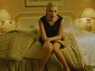 Scarlett Johansson bedroom style HQ Wallpaper