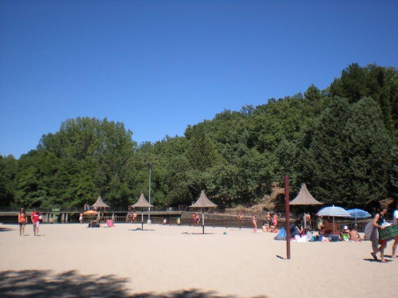 A dos pasos del paraiso piscina natural el lago de for Piscinas naturales jaraiz de la vera