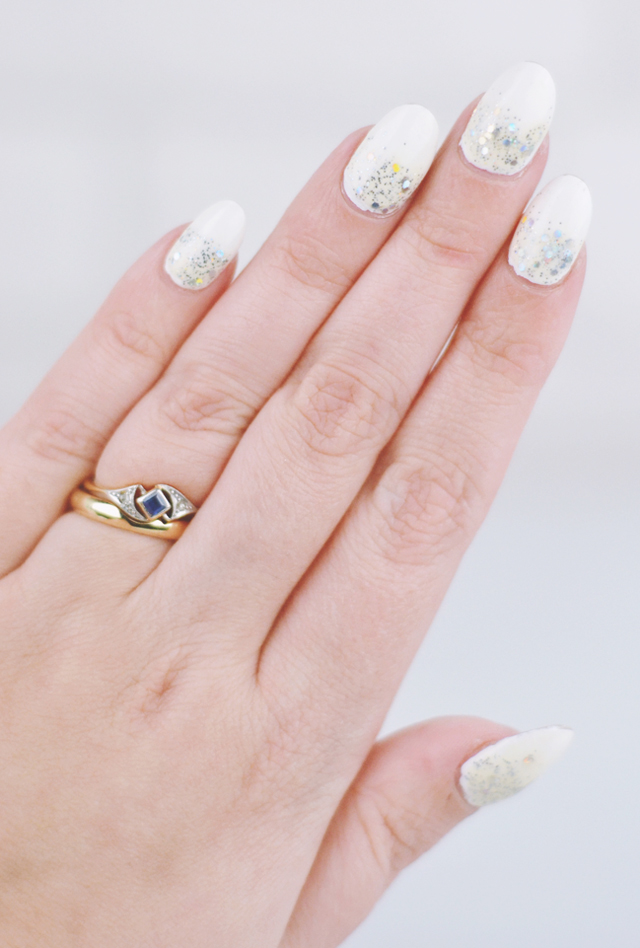 Winter white and silver Christmas nails