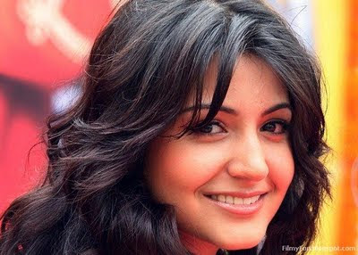 Anushka_Sharma_FilmyFun.in