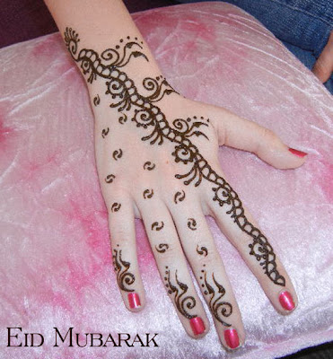 New Beautiful Henna Mehndi Design For Eid
