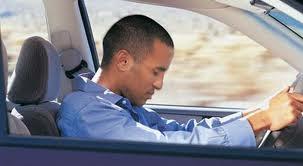 mengantuk sambil mengemudi sangat bahaya