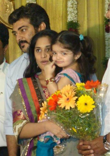 Indian Celebs: ajith and shalini daughter anoushka photos