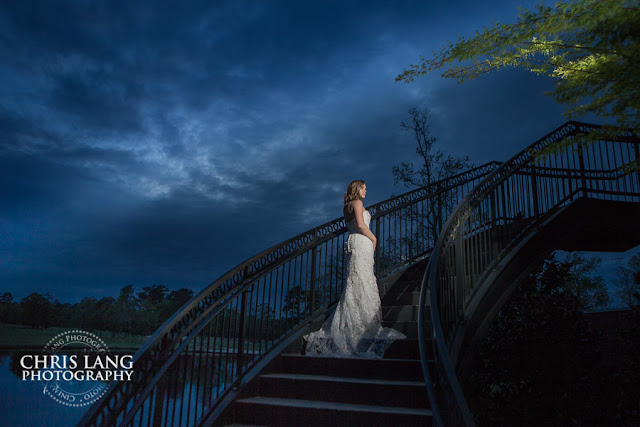 River-Landing-Wedding-Photographers-pictures-brides-wedding-dress-7