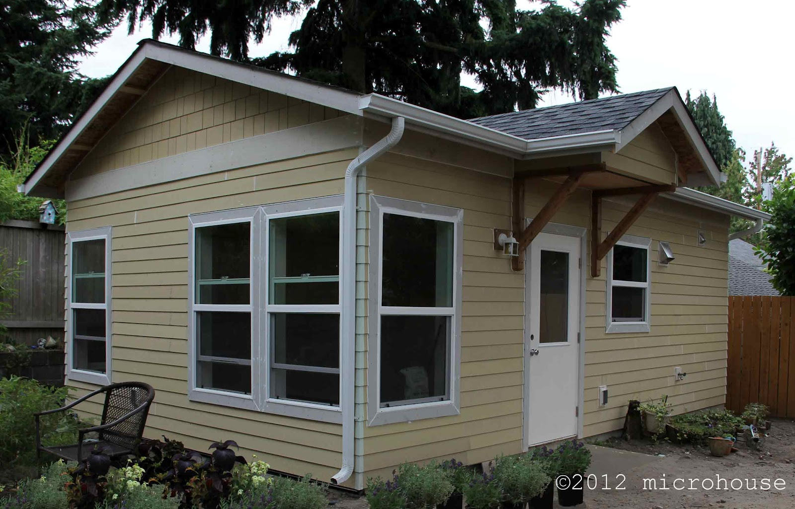Backyard cottage blog backyard cottage for a great Tiny house in backyard