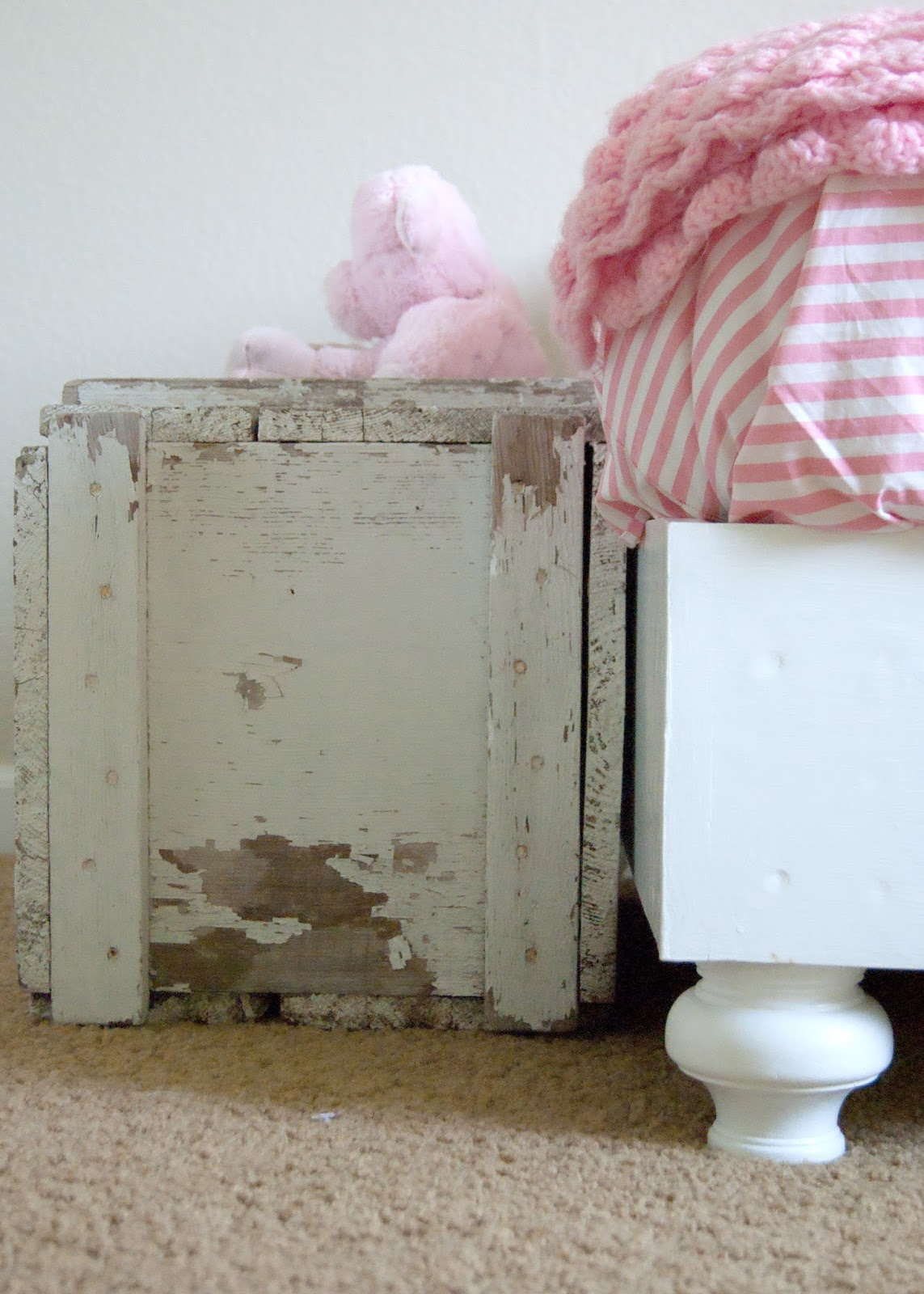 Old toolbox - DIY bed - vintage linens
