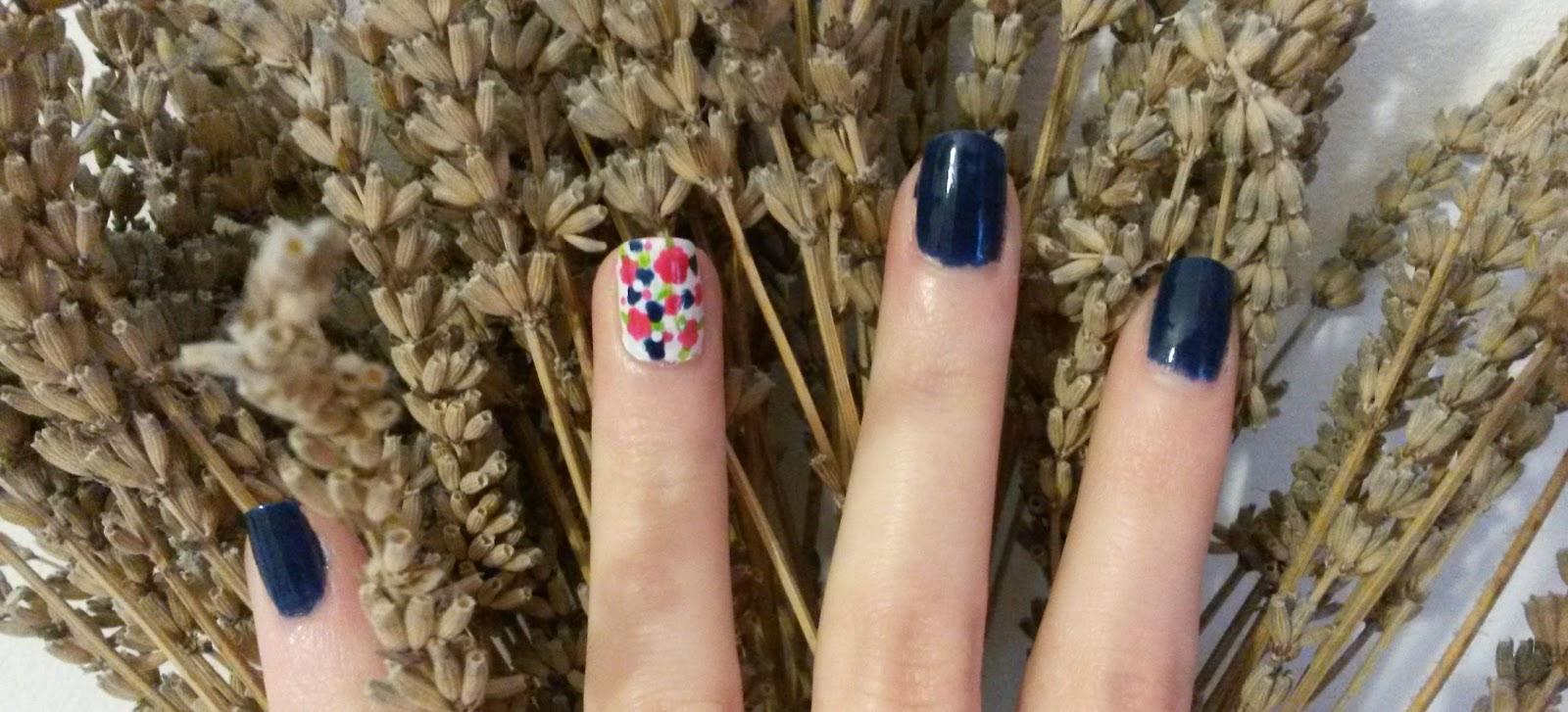 Tuto bleu liberty nail art