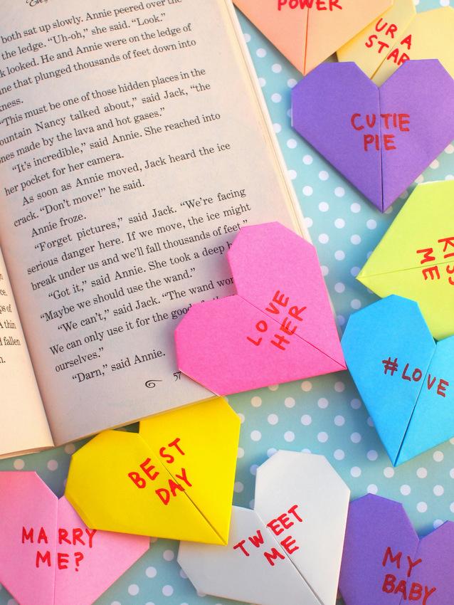 Origami Conversation Heart Corner Bookmarks Pink Stripey Socks