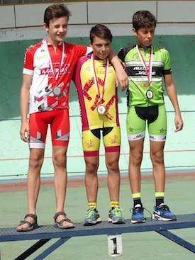 Alberto Galindo, doble campeón de Castilla y León en pista
