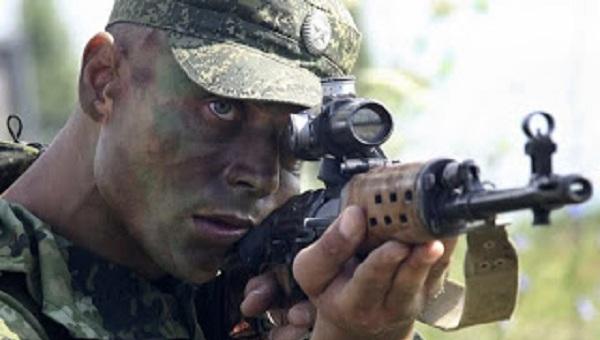 Έξι χιλιάδες Ρώσοι κομάντος έτοιμοι να εμπλακούν στην ανατολική Ουκρανία