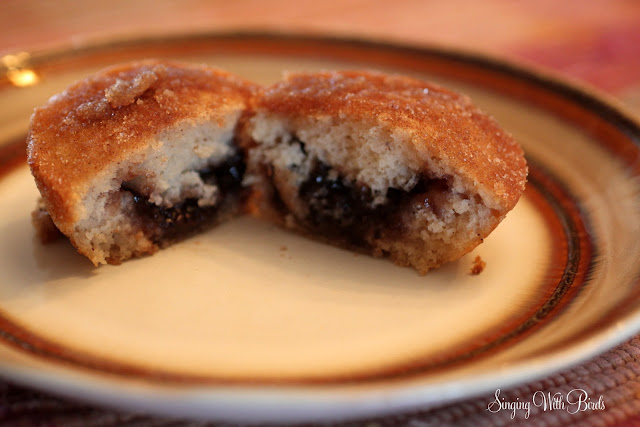 Jelly Donut Muffins | singingwithbirds.com