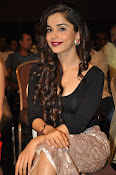 Aparna Bajpai sizzling photo shoot-thumbnail-12