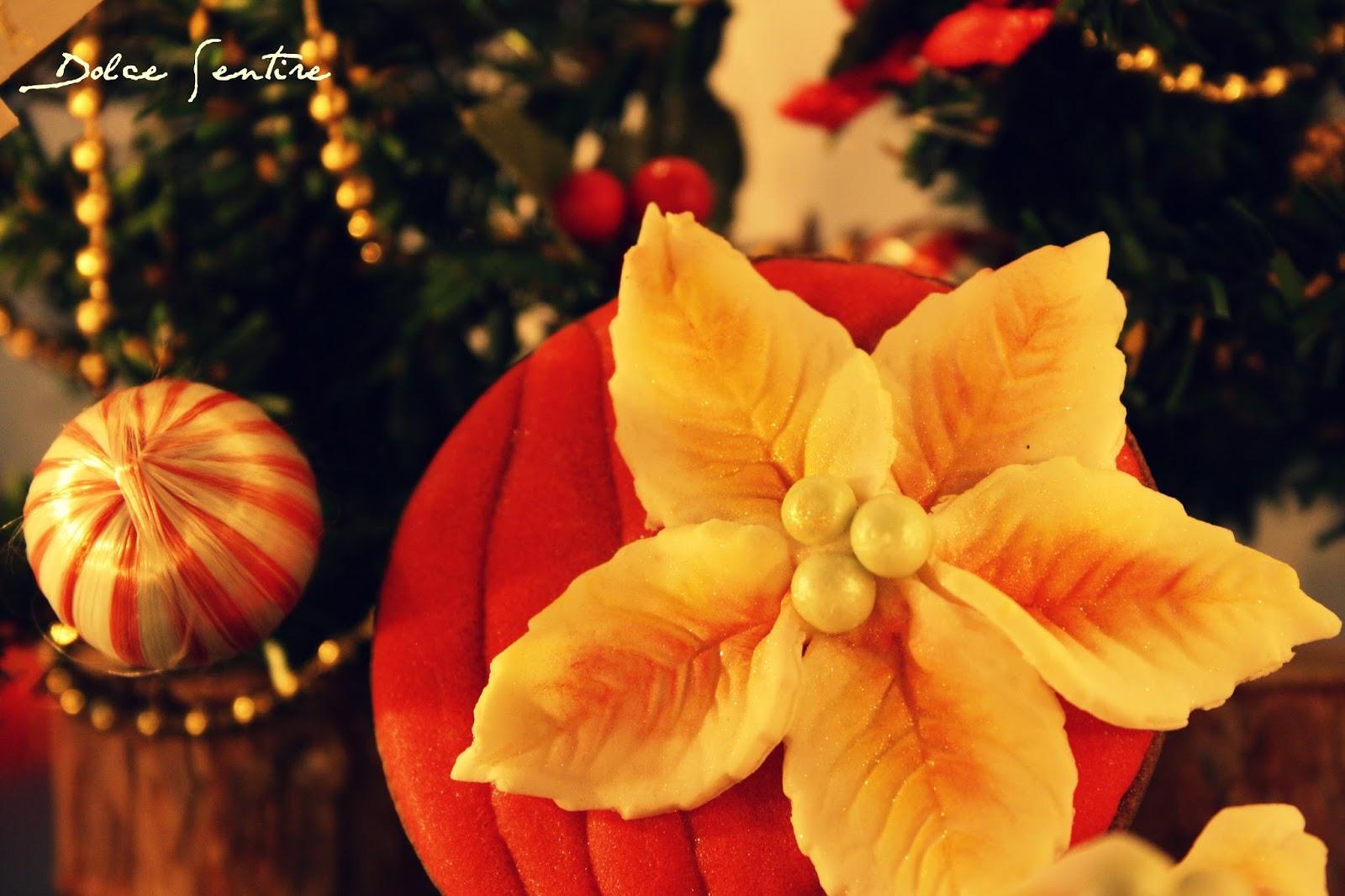 Galletas Flor de Pascua (Poinsettia): Un regalo para ti, que siempre estás ahí...