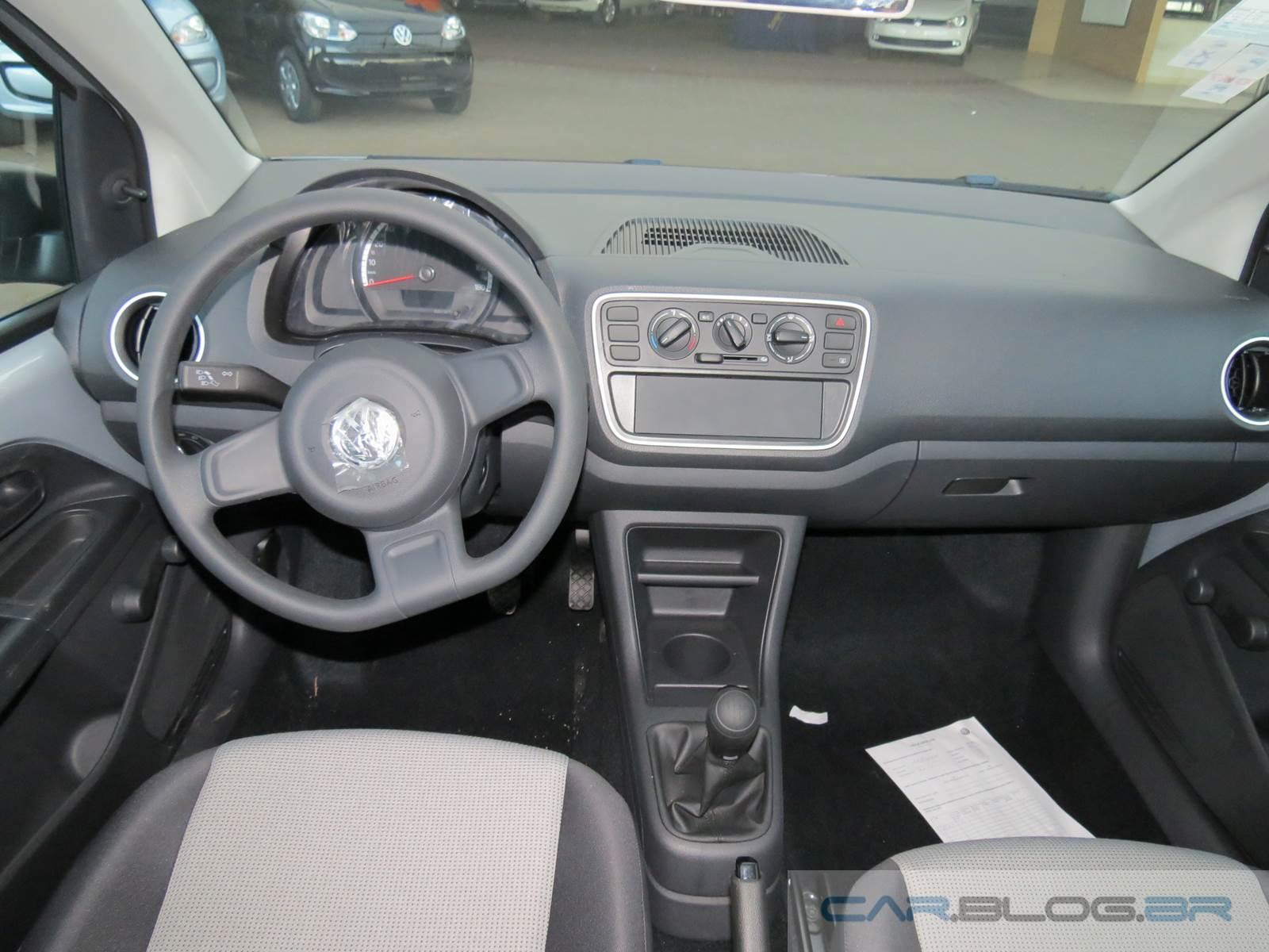 Volkswagen up! completo - Prata Sirius - interior