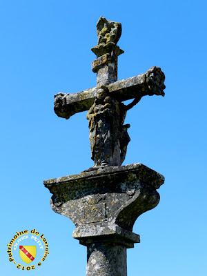 SOULOSSE-SOUS-SAINT-ELOPHE (88) - La croix du cimetière