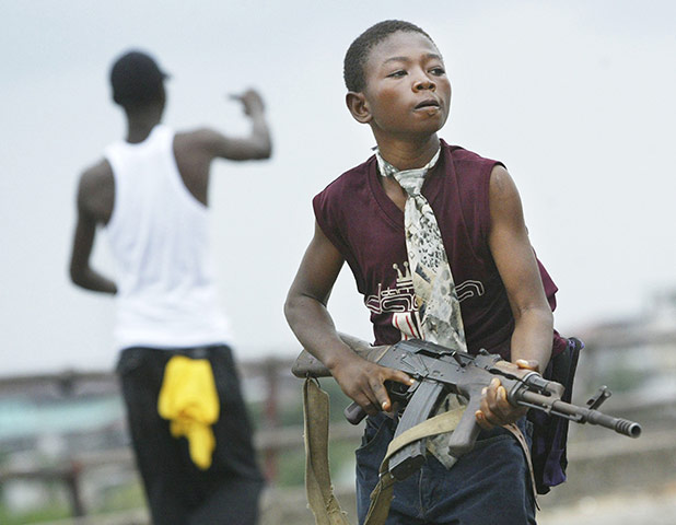 chris hondros  a child soldier