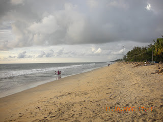 Clean and crisp morning on the cochin beach