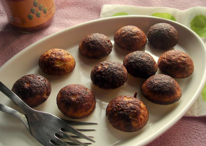 Handvo in paniyaram pan