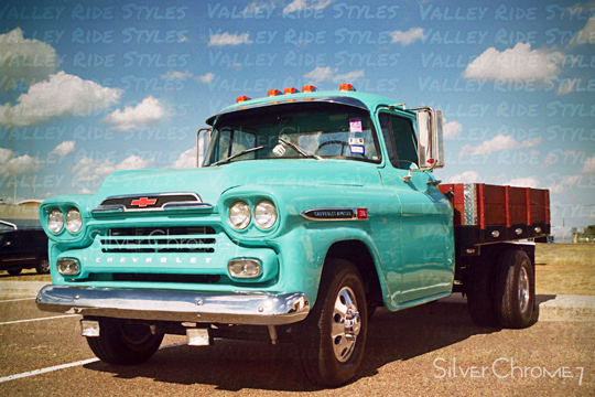 Valley Ride Styles 1959 Chevrolet Apache Dually Flatbed