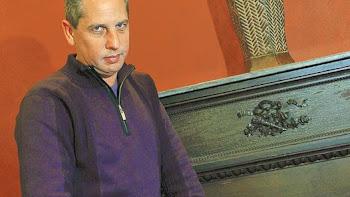 Sangre de amor correspondido El escritor argentino Gullermo Martínez acaba de publicar