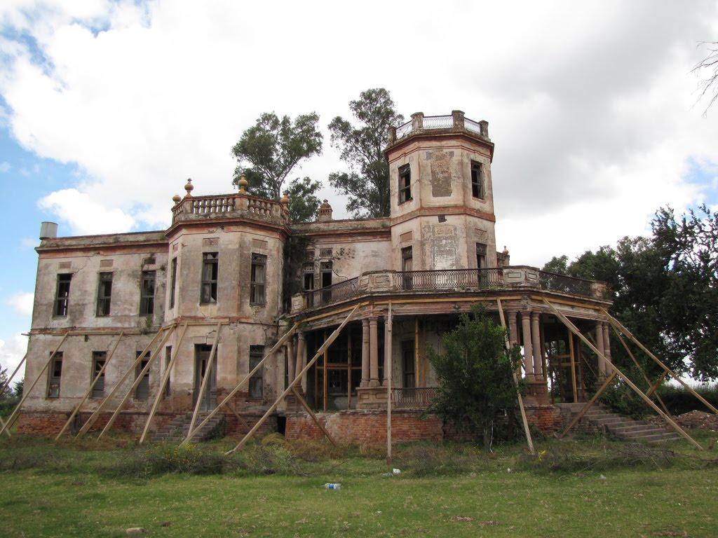 Sancarlosfortin hacienda de maltara a en ruinas en jamay for Carlos house lagos