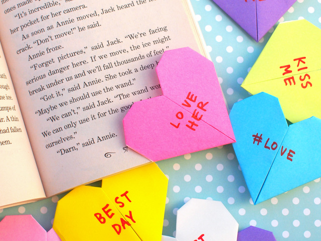 Origami Conversation Heart Corner Bookmarks Pink Stripey Socks
