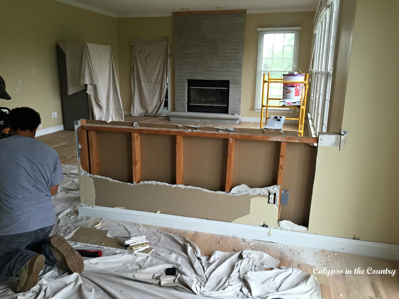 Renovation progress the half wall calypso in the country for Dining room half wall ideas