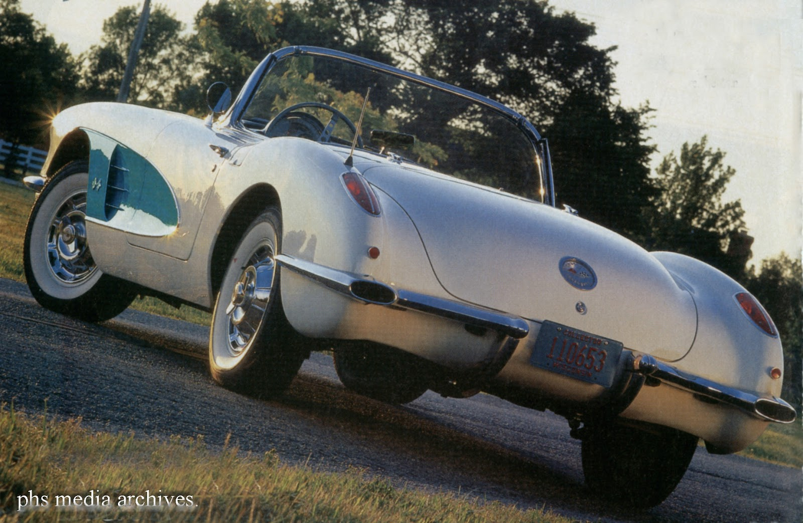 Corvette In 1960 Facts And Figures Phscollectorcarworld Studebaker Lark Wiring Diagram The Painted Cove Contrasting Color Was Optional For