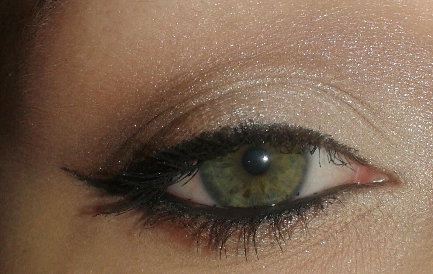 Nowa formuła cieni Sensique + dzienny makijaż