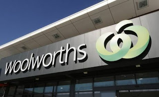 Woolworths has distanced itself from an online scam offering people shopping vouchers