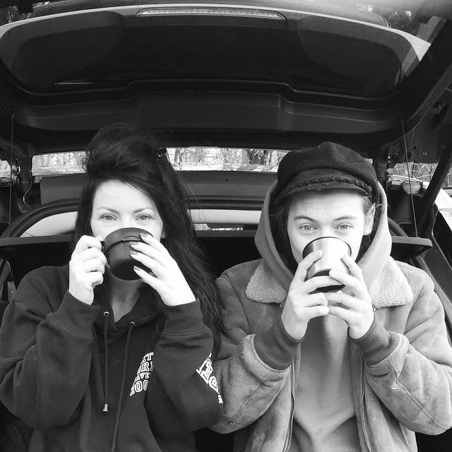 05.03.15, day off, fans, harry styles,  uk, anne cox, tea for two