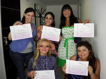 Algunas de las alumnas, recibidas en Make Up Studio Fabiana Romano