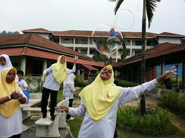 giant_bubble_lagi_leamustafa.com