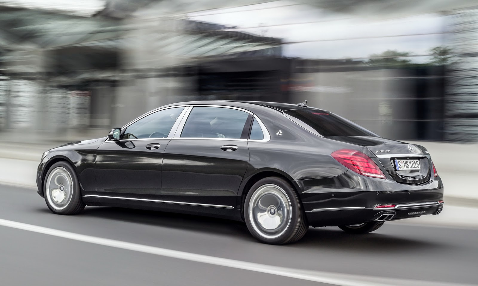 new mercedes maybach s class oozes of opulence 55 pics videos carscoops. Black Bedroom Furniture Sets. Home Design Ideas