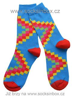 Geometrie v módě i na ponožkách