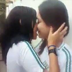 Novinhas Lésbicas na Escola - http://www.videosamadoresbrasileiros.com