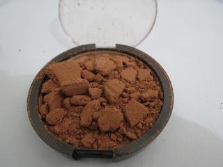 http://taisvip.blogspot.com.br/2012/06/quebrou-sua-make-e-voce-nao-sabe-oque.html