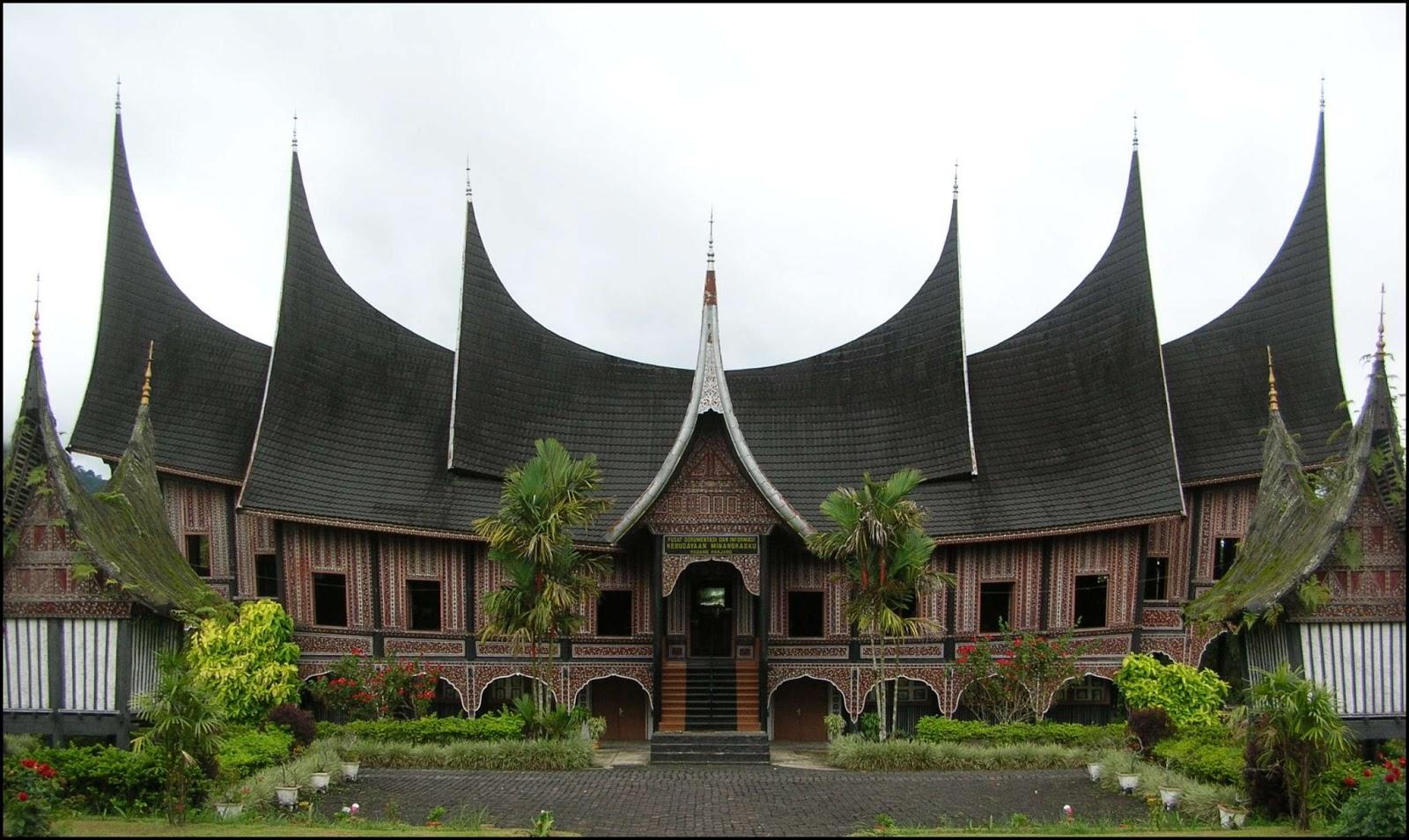 Download this Rumah Banjar Adat Kalimantan Selatan picture