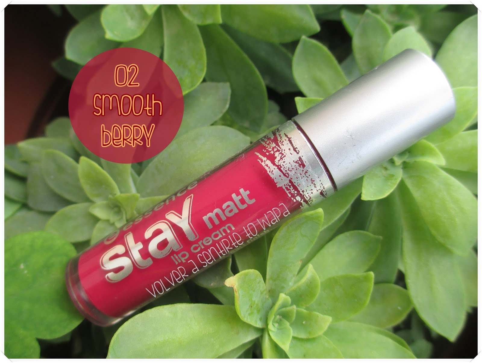 Stay Matt Lip Cream de Essence - 02 Smooth Berry