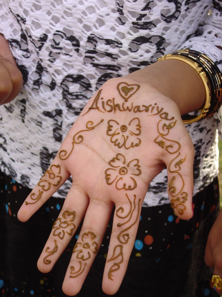 Latest Mehndi Designs Tattoos For Feet Arms Shoulders Hands Eid