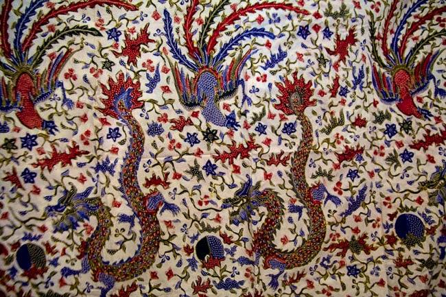 Batik Lasem Bermotif Naga dan Burung Hong