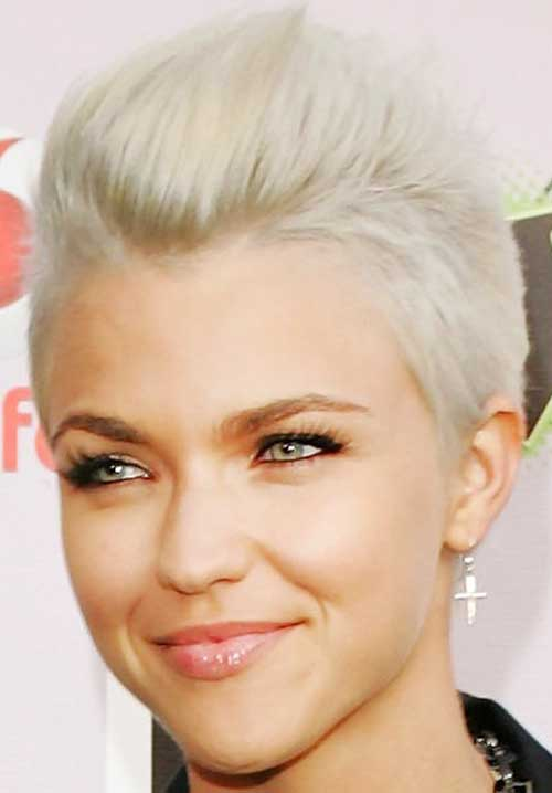 Popular Short Pixie Haircut For Women - Hairstyles Tips