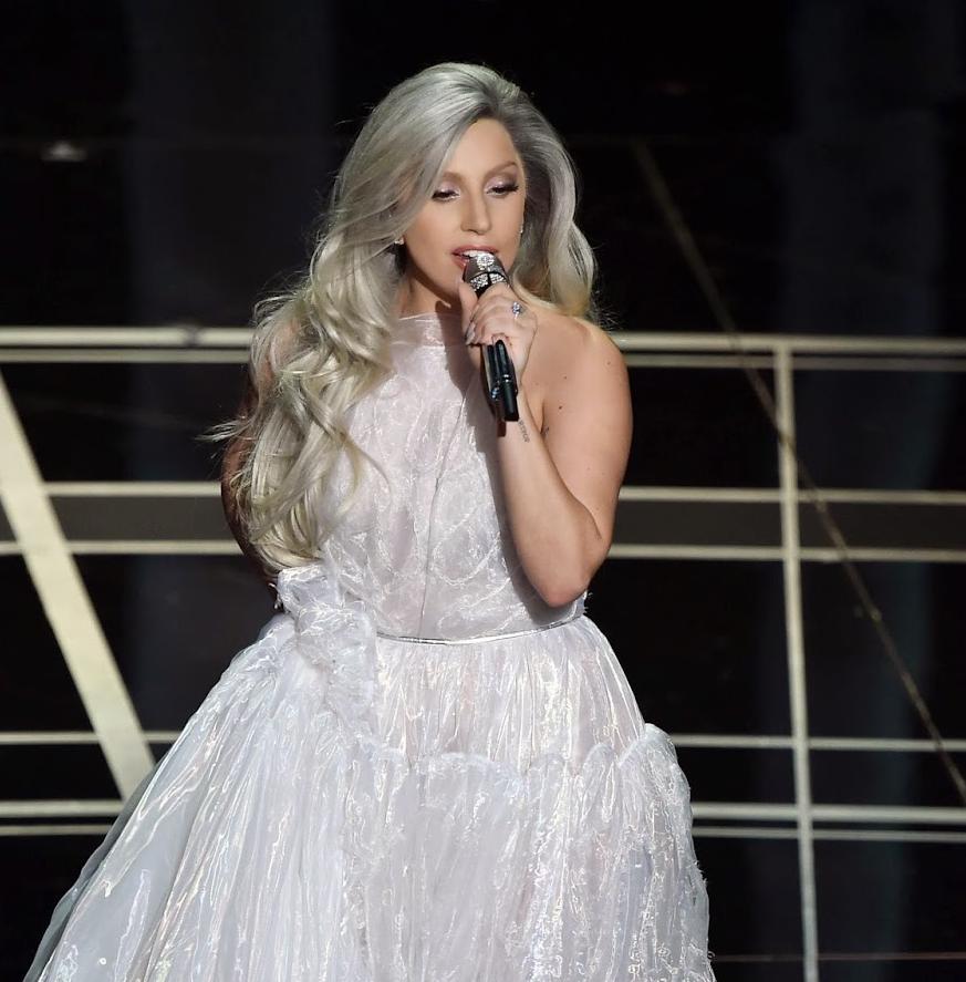 Fotos de Lady Gaga sexy y sin ropa en revista Harpers Bazaar - imagenes de lady gaga sin ropa