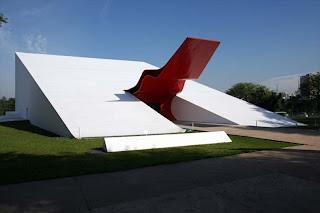 http://4.bp.blogspot.com/-73FV0RAhLsQ/UMHHoDx7TrI/AAAAAAAAFvo/Ps2oLqI36As/s1600/Sao-Paolo-Ibirapuera-Park-Auditorium-by-Oscar-Niemeyer.jpg
