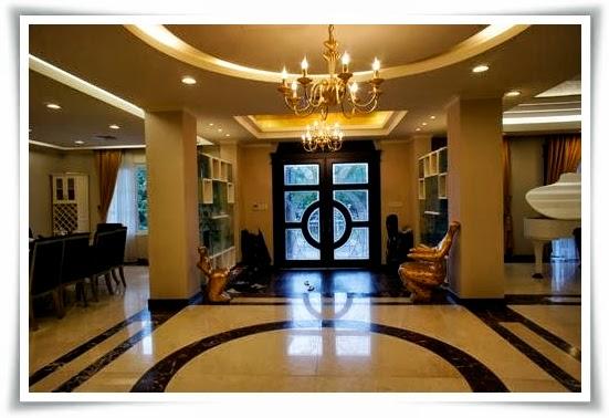 Lối vào cửa chính Biệt thự Saigon pearl
