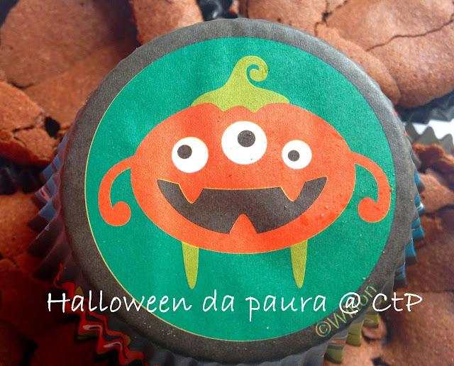 halloween da paura: ultra fondant au chocolat con cuore di cherry