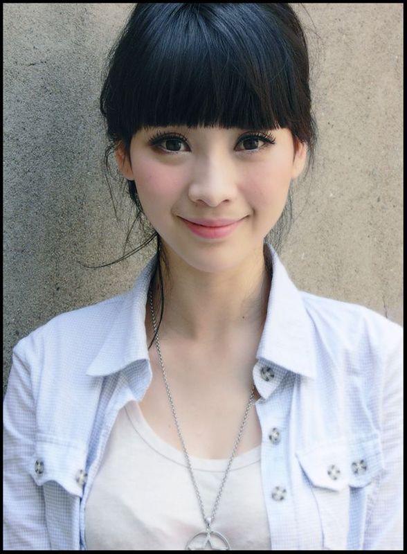 Asian Girls: Liu Yan 柳岩 | 588 x 800 jpeg 72kB