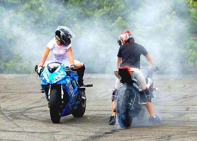 Female Rider Motorcycles Stunt Honda Motorcycles Trend
