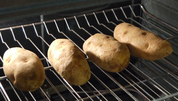 how to make potatoes on the ovem
