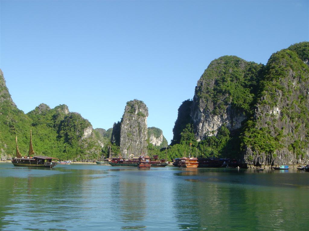 Vietnam Halong Bay Tours